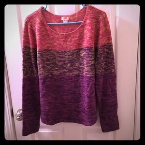 Woman's sweater by Mossimo.